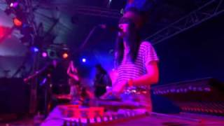 Bat For Lashes - Prescilla (Glastonbury 2007)