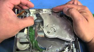 TWB #17 | Further Dismantling A Ford 6 Disc Changer