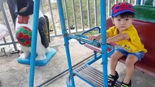 Baby playing swing| Bé chơi Bập bênh, Trò chơi bé làm tài xế xe bus chở hành khách