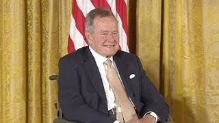 Джордж Буш-старший вышел из больницы