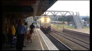 preview picture of video 'Countrylink Xplorer at Goulburn, NSW'