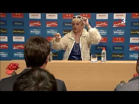 Cràckovia - Guti y su discoteca en la sala de prensa [HD]