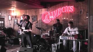 The 4 Donkeys - Real Country Music - Don't Know Why I Do it
