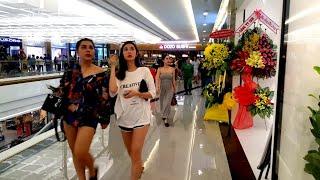 VINCOM CENTER KHAI TRƯƠNG GẶP TOÀN HÓT GIRL SIÊU GIÀU ĐI MUA SẮM | saigon travel Guide