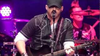 Brantley Gilbert - Dirt Road Anthem & You Don't Know Her Like I Do