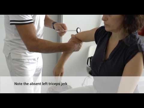 Orthopädische Produkte auf dem Knie