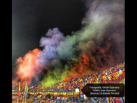 """""""Recibimiento de la Banda Tricolor al Deportivo Pasto VS Atlético HD (Nacional 28 Mayo 2016 )"""" Barra: La Banda Tricolor • Club: Deportivo Pasto"""