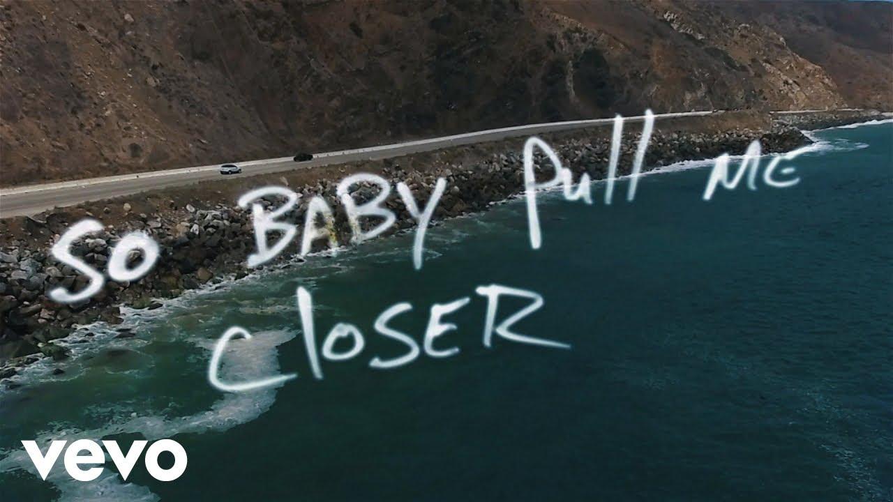 Closer lyrics - The Chainsmokers feat. Halsey