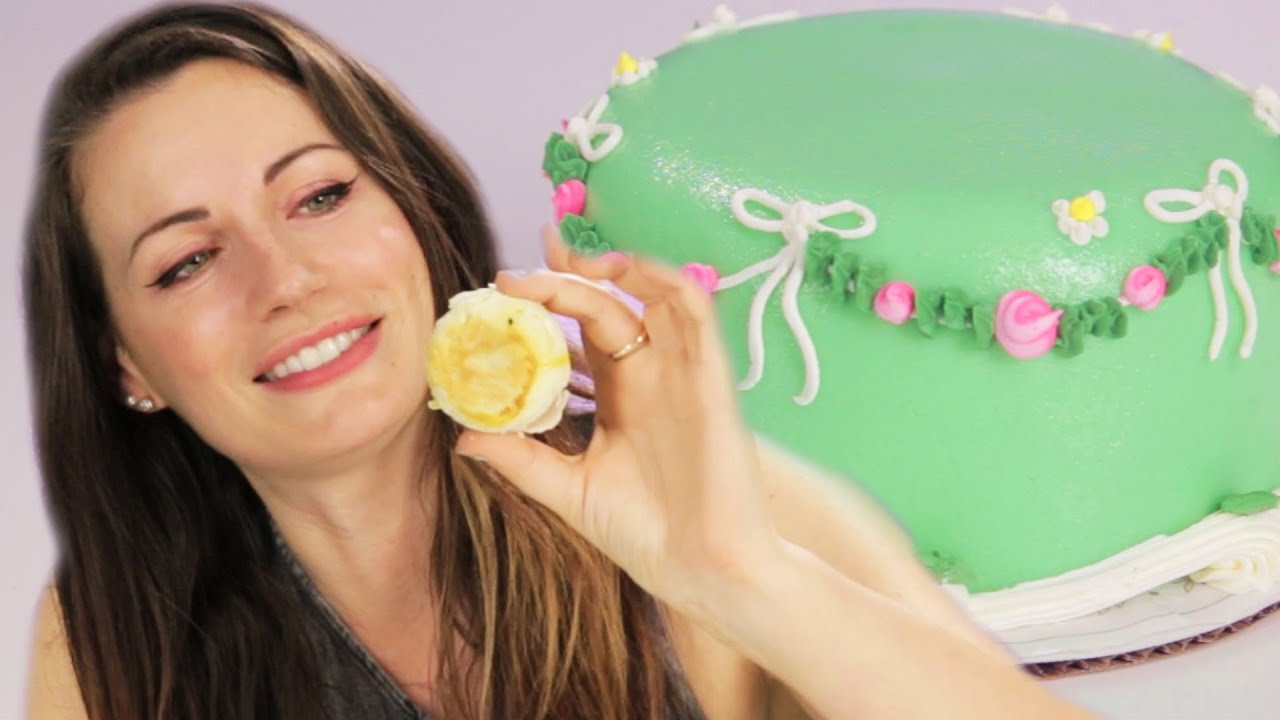 People Try Desserts From Around The World thumbnail