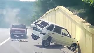 Придурки на дорогах, приколы на дороге 2018 5