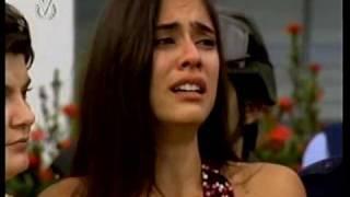 La hija del Mariachi: La despedida de Emiliano y Rosario al avion (GREEK SUBTITLES)