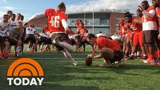 College Student Wins A Scholarship After Nailing 53-Yard Field Goal | TODAY