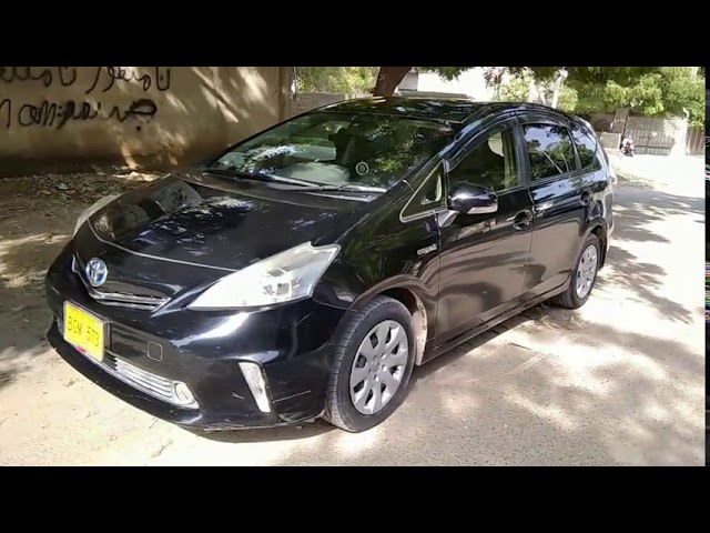 Toyota Prius Alpha S 2013 for Sale in Karachi