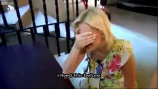 Blondynka vs szyba