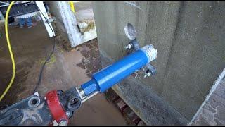Bohrloch in Stahlbeton trocken ohne Wasser gebohrt. Gebr. Theobald: Die Abrissprofis.
