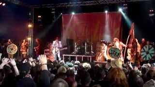 The Darkness - Barbarian (live at Download Festival 2015)