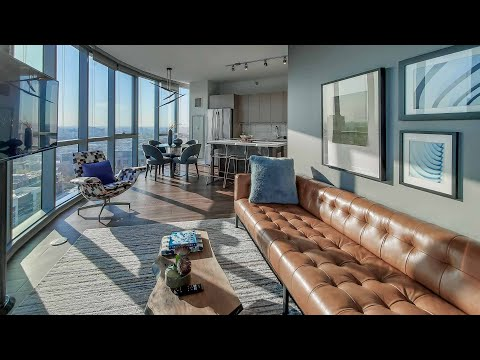 A West Loop -14 2-bedroom model at the new 727 West Madison