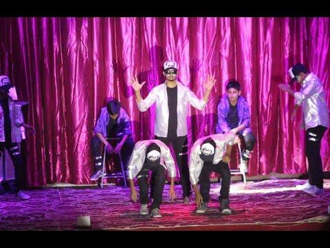 Elektro Botz |Robotic Dance| Extravaganza 2017, HPS direction Mr. Waqar Hussain and the team.