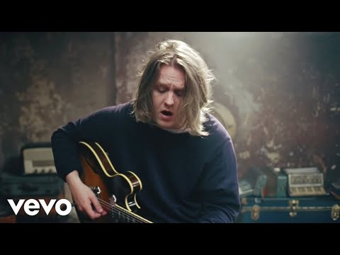 Lewis Capaldi - Lost On You (Official Live)