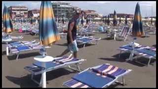 preview picture of video 'Maltempo: nubifragio a Marina di Grosseto'