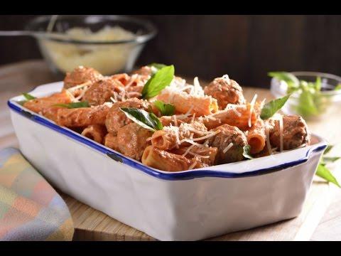 Rigatoni Con Salsa Tradicional de Tomate y Queso de Cabra