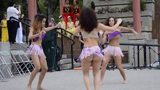 "Video thumbnail of ""Las tres muchachas de Bernarda bailando merengue"""