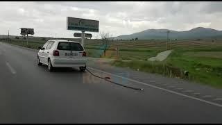 Konya-Afyon yolunda ilginç görüntü! Araç LPG hortumuyla seyretti