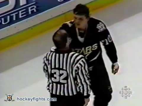 Benoit Hogue vs. Todd Harvey