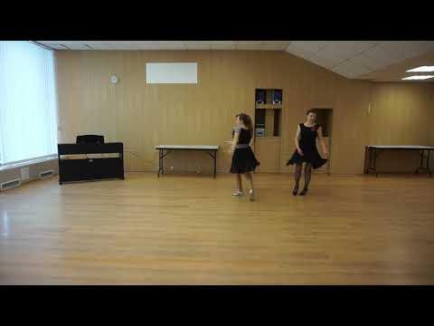 Ирина Медведева и Елена Травлеева, творческий коллектив