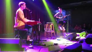 """Wrabel performs """"Poetry"""" at Brighton Music Hall - 21st Oct 2019"""