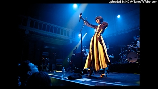 Bat for Lashes - 2012-11-27 - Paradiso, Amsterdam - 06 - All Your Gold