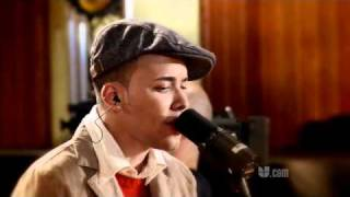 """Video thumbnail of """"InStudio con Prince Royce: Stand by me"""""""