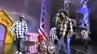 "Snoop Doggy Dogg Dr Dre ""Gin and Juice"" 1994 American Music Awards Live"