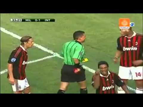 """""""Nụ Cười"""" của Ronaldinho không bao giờ tắt"""