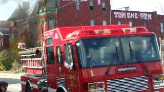 preview picture of video 'Detroit Fire Department--Man Trapped'