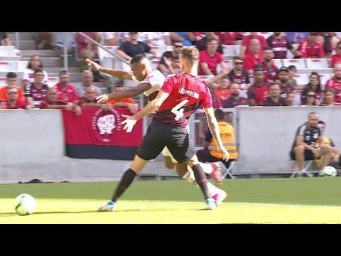 Lance Polêmico Flamengo x Atlético PR - Penalty não marcado em Lucas Silva