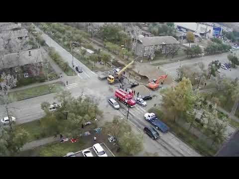 В Хакасии автомобиль влетел в строительный котлован