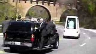 preview picture of video 'Pope in Popemobile through Rock Creek National Park'