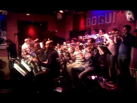 "BOB SANDS BIG BAND & ANTONIO SERRANO / Bogui Jazz, 25 abril 2013, ""Billie's Bounce"""