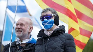 video: Watch: Pro-Scottish independence and unionists rally in Glasgow ahead of election