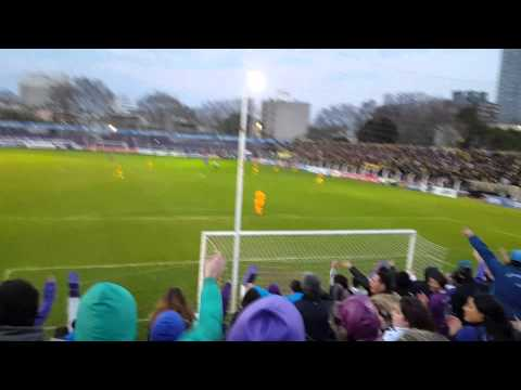 """Defensor hinchada vs peñarol 3-1"" Barra: La Banda Marley • Club: Defensor"