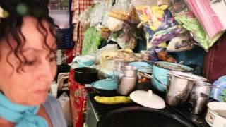 La China y sus tostadas raspadas de Cotija