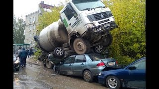 How To Not Drive Your Car on Russian Roads 2018.