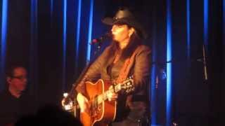 """New Rendition of Terri Clark's """"Better Things To Do"""" Live in Calgary, AB, 3/16/13"""