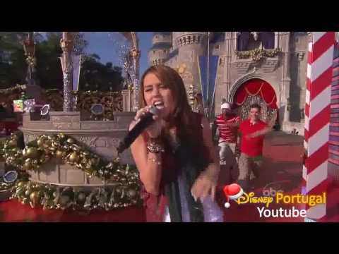 Miley Cyrus - Santa Claus Is Coming to Town - Christmas Radio