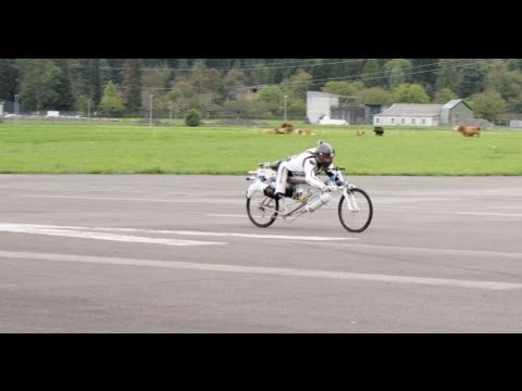 Francois Gissy hits 285 km/h on his rocket-powered bicycle