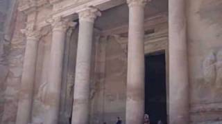 preview picture of video 'Petra, Jordan - The Treasury'