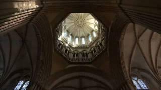 preview picture of video 'Coutances und seine Kathedrale  Normandie Sehenswürdigkeiten/Infos-Tipps'