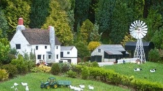 preview picture of video 'Babbacombe Model Village - 28/12/2012'