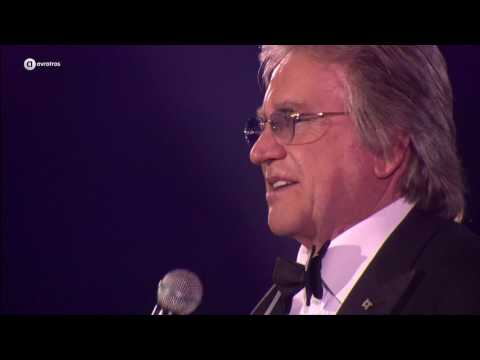 Lee Towers - You'll never walk alone | Mega Piratenfeest 2015